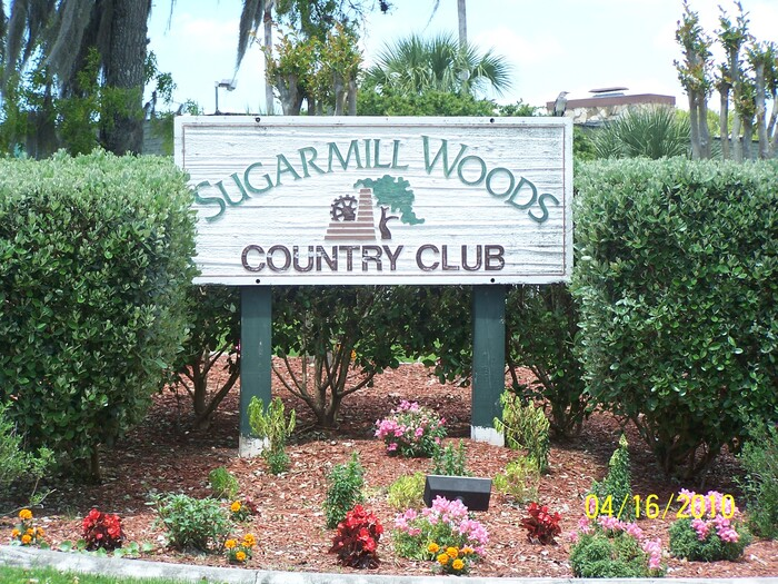 View of the Sugarmill Woods Country Club welcome sign